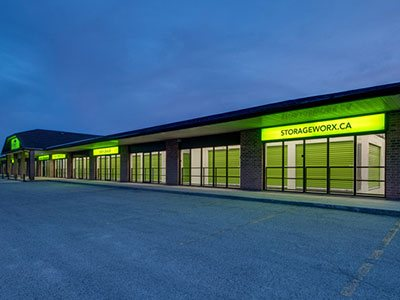 We offer a variety of self storage services to serve your personal or professional needs.